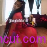 #Naijauncut- Nigerian Sexy Chick Shaking Her Booty Slowly