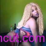 #Uncut- Ghana Lady Laura Dance Naked After Taking Alcohol