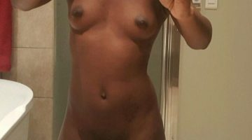 Nigerian Girl Take Selfie With Her Nude
